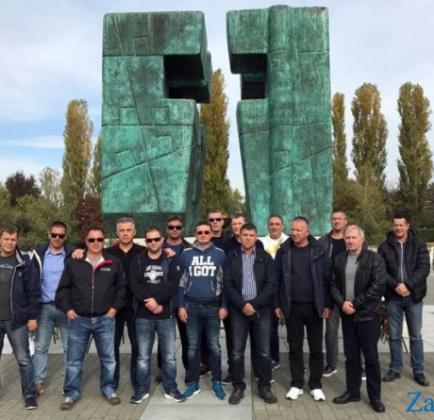 Screenshot-2017-11-15 PONOS I ZAHVALNOST Udruga veterana nogometnog kluba Bibinje posjetila Vukovar